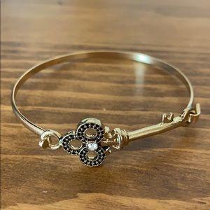 Jewelry - Clasp Key Bangle